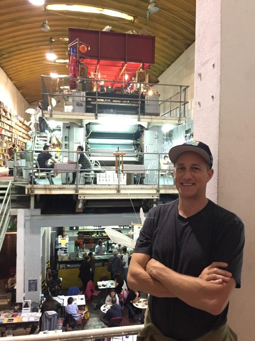 Michael Novilla in Bookstore Ler devagar Lisbon Portugal